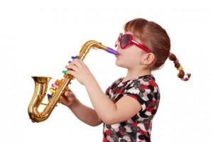 צעצועים לילדים עיוורים יכולים להיות צעצועים מוסיקליים או תחושתיים
